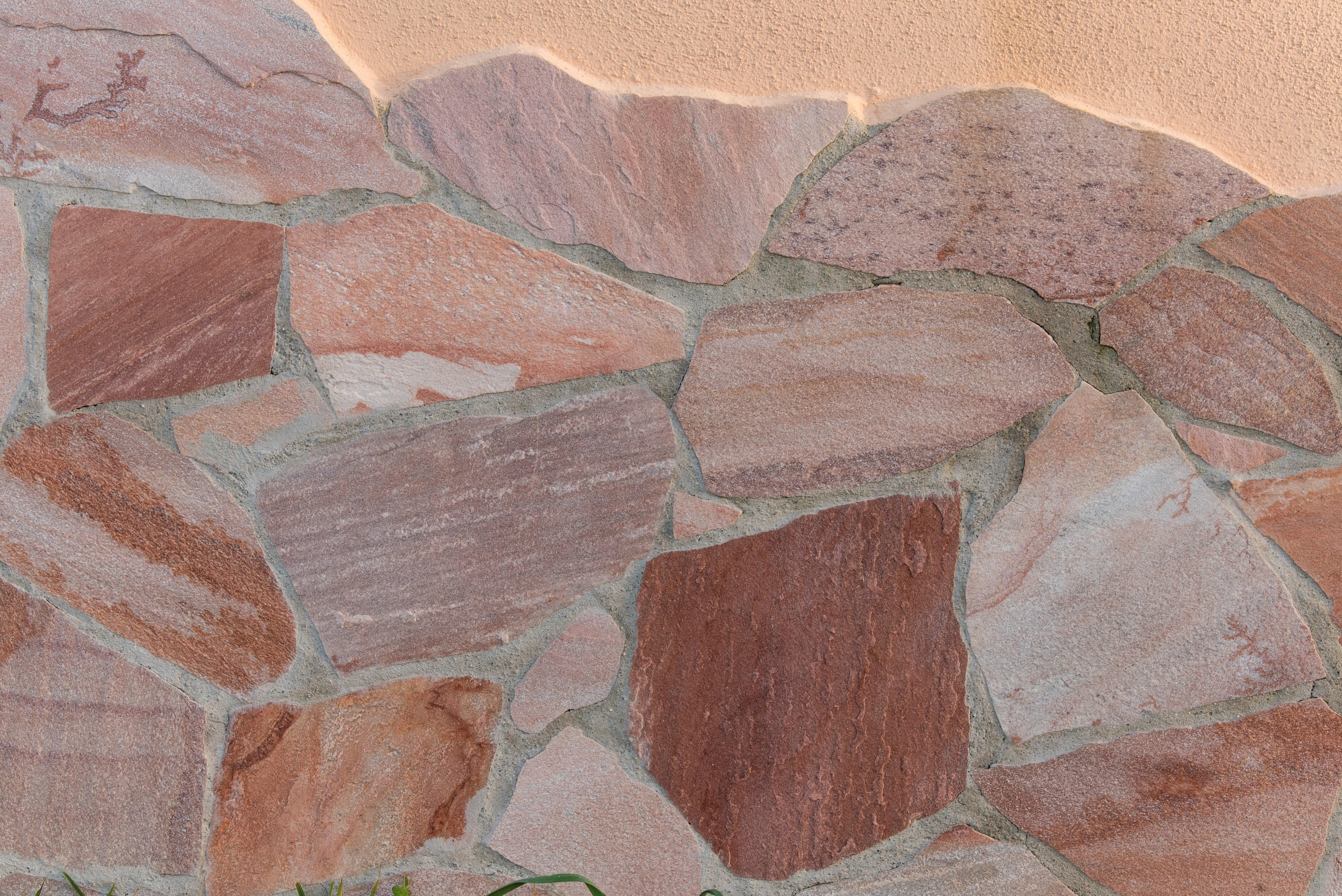 muretto in pietra realizzato da Edil Pietre 2P