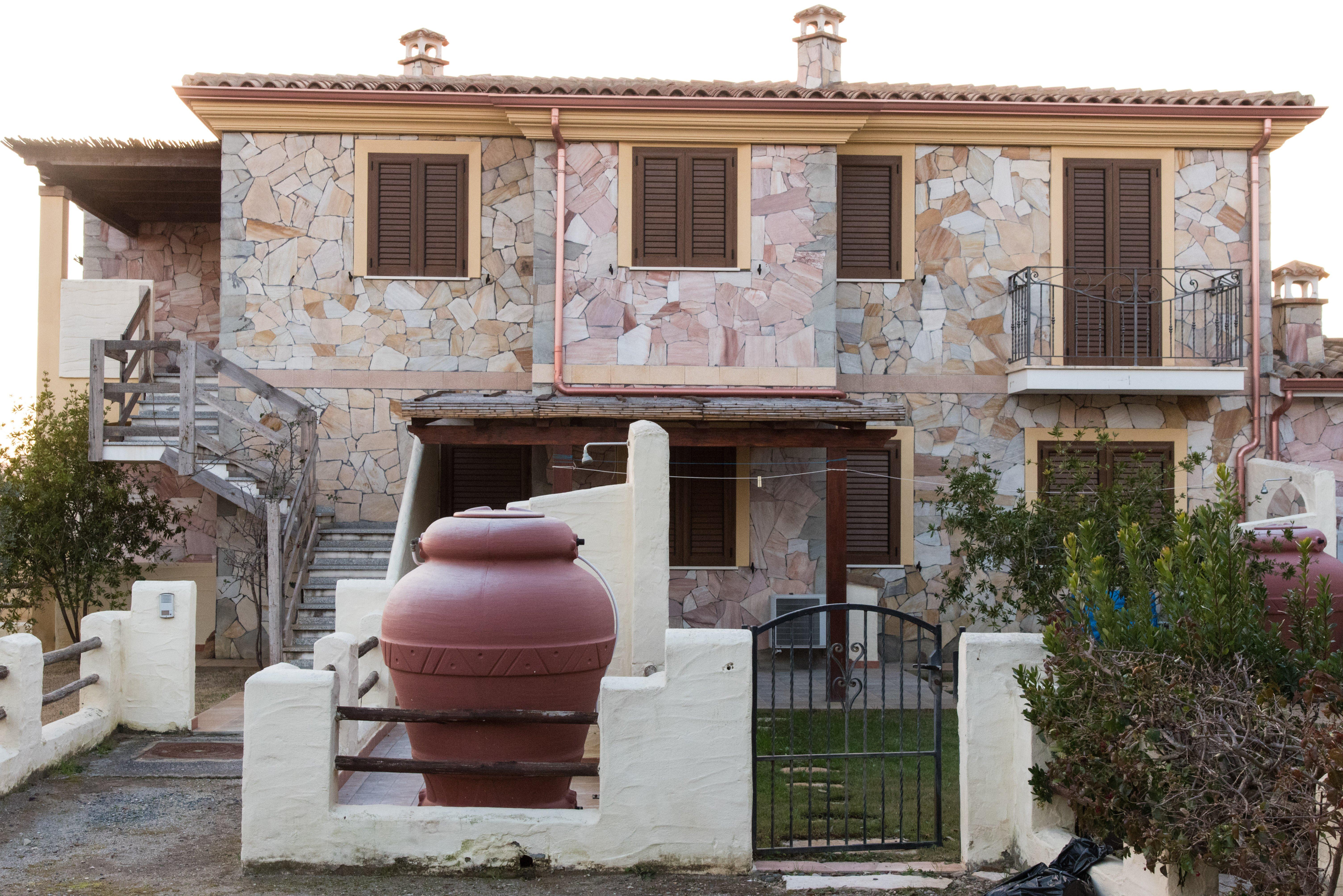 lavori in pietra per villa
