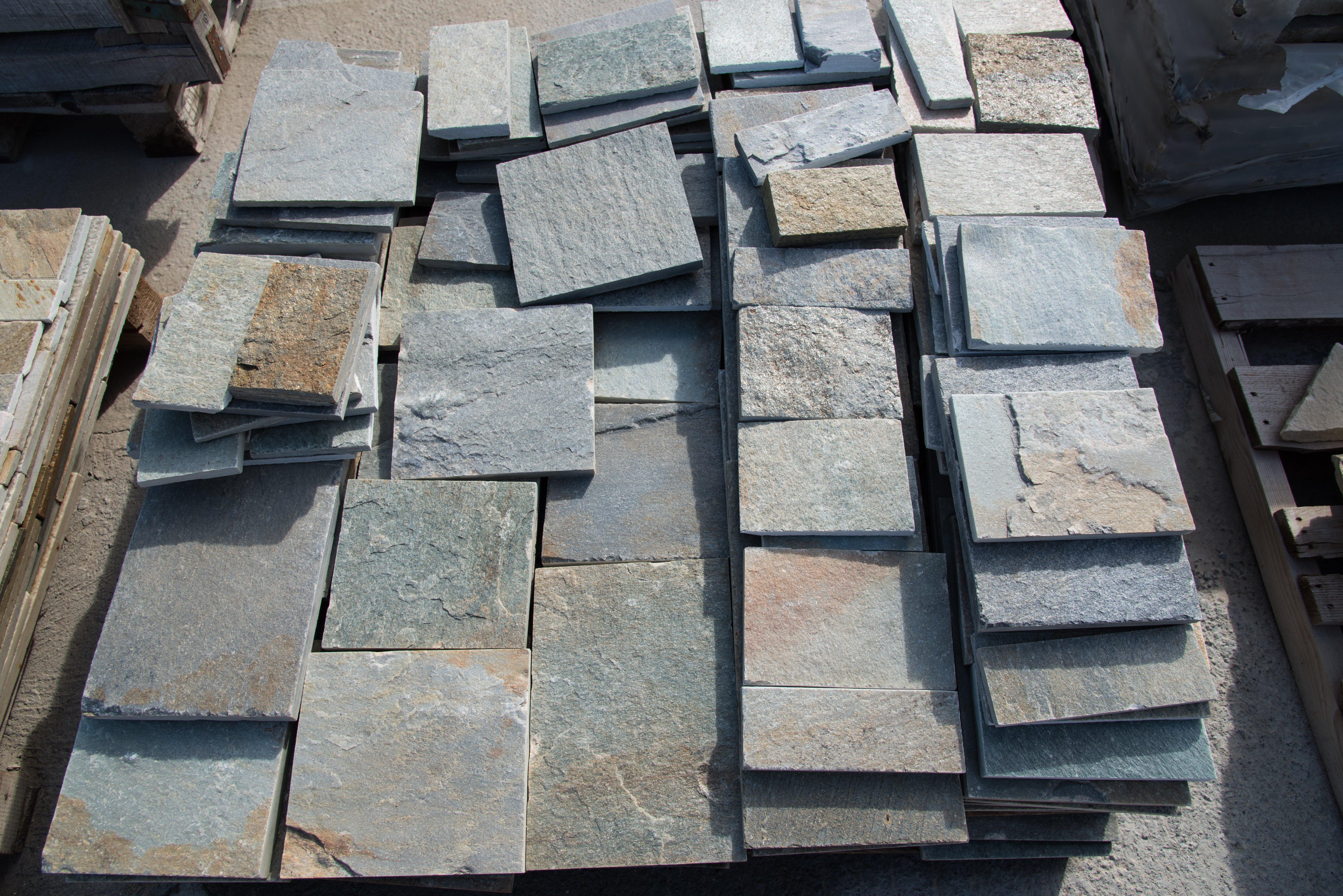 Edil pietre 2p snc rivestimenti in pietra san giovanni suergiu ci - Piastrelle di ardesia ...