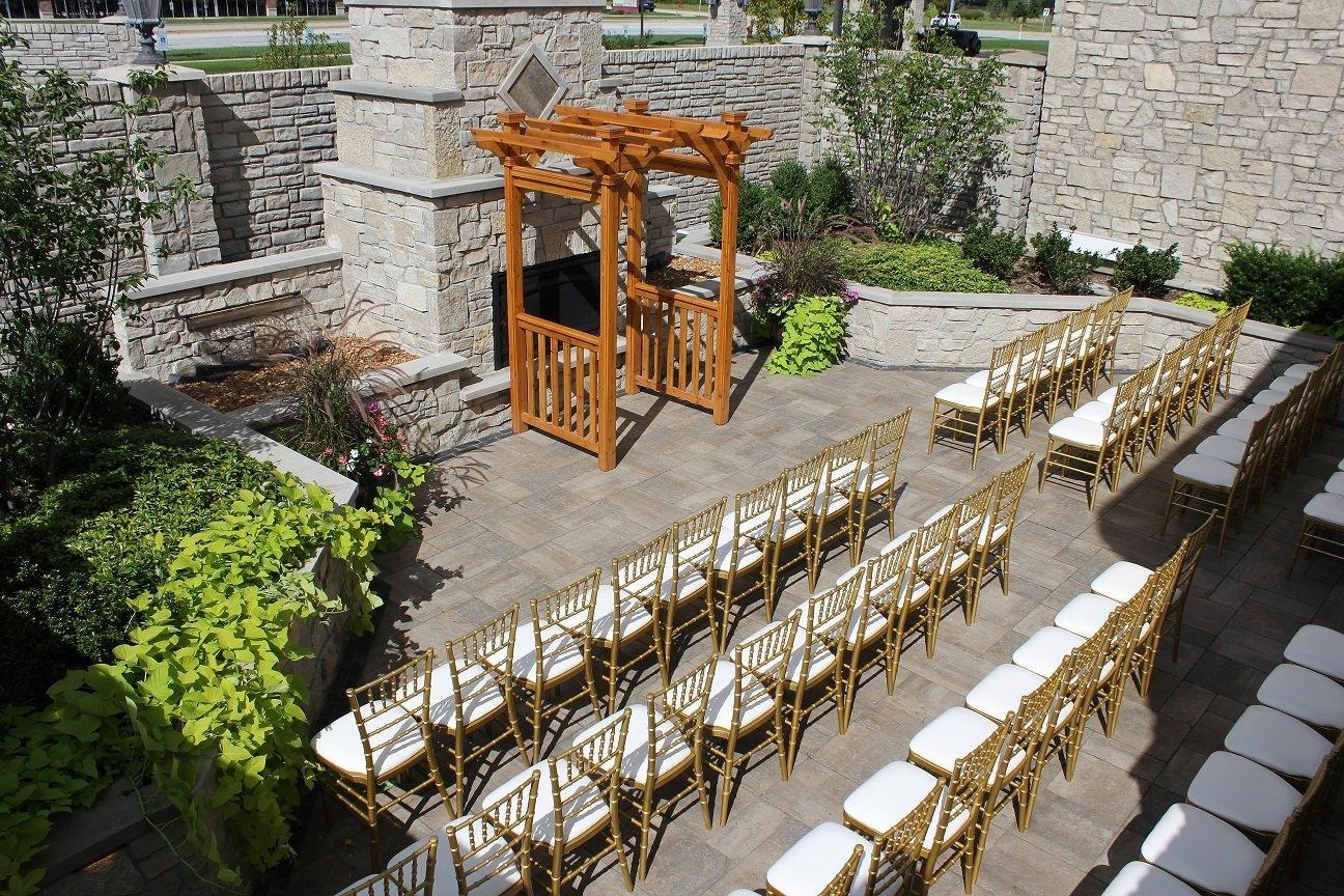 Outdoor Ceremony Near Chicago