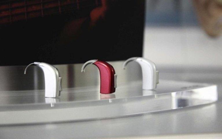Dispositivi acustici speciali