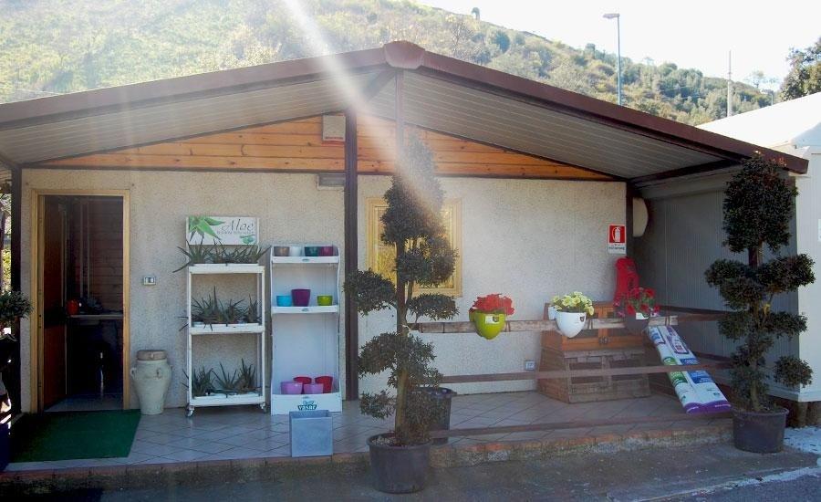 vendita di attrezzature per il giardinaggio