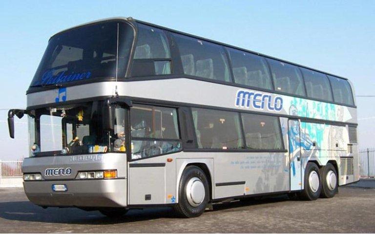 Autobus pour excursions