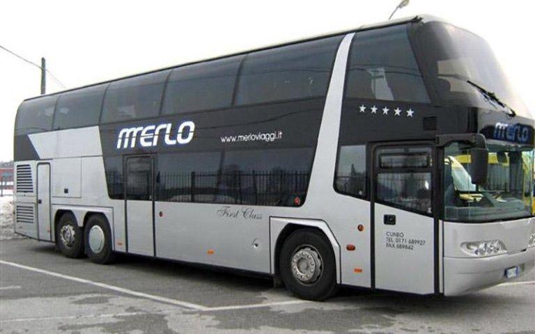 Autobus à deux niveaux