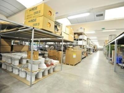 magazzino sanitari