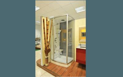 bagno moderno con box doccia