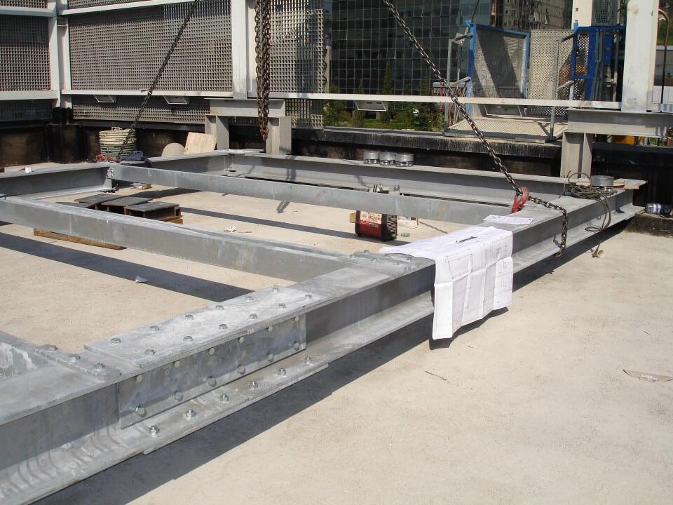 struttura in metallo a terra