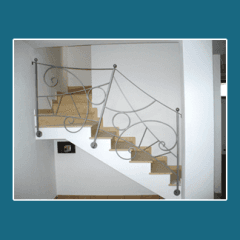 scale e corrimano in metallo