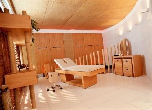 arredo legno centro estetico
