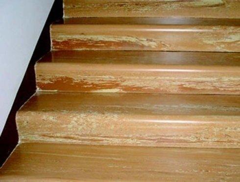 pulizia scale in legno