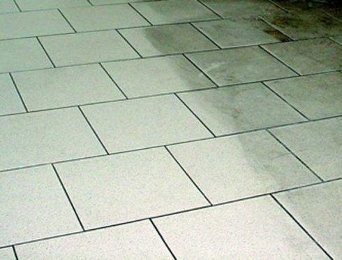 lavaggio pavimenti in ceramica