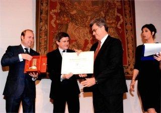 Roberto Giansanti riceve dal Sindaco di Roma la nomina a Cavaliere del Commercio