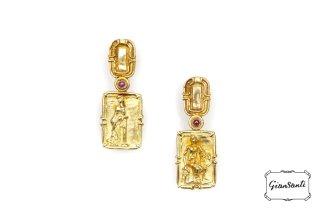 Orecchini in oro giallo acera persa e rubini