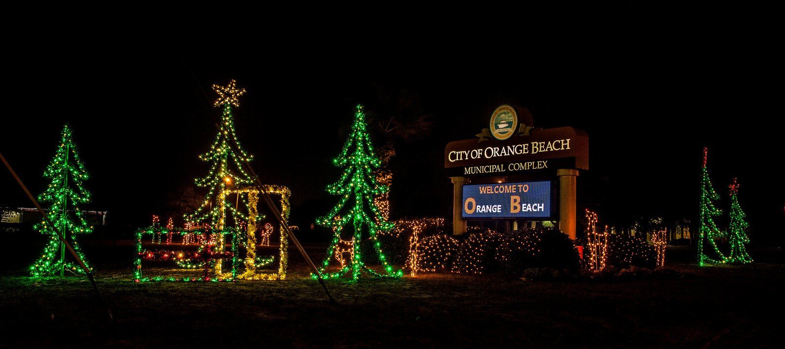 Flora Bama Christmas Potluck 2021 Orange Beach Christmas Happenings Events And Schedules