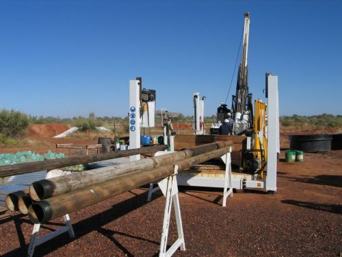 Equipment for extracting metal