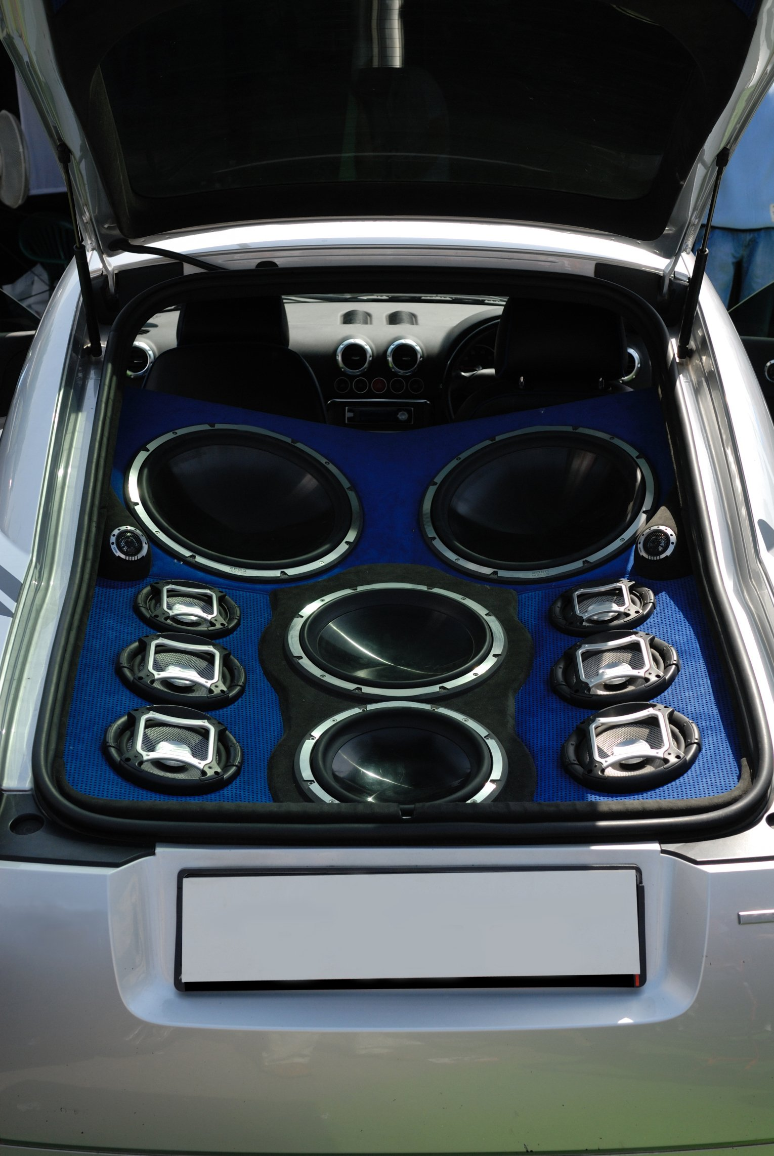 Car audio installation Douglas | Autosparks