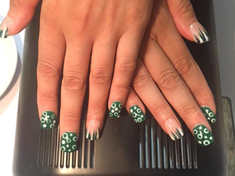 Manicure e decorazione unghie