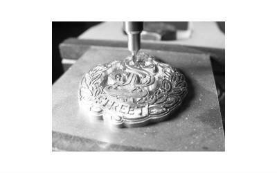 Engraving fashion accessories