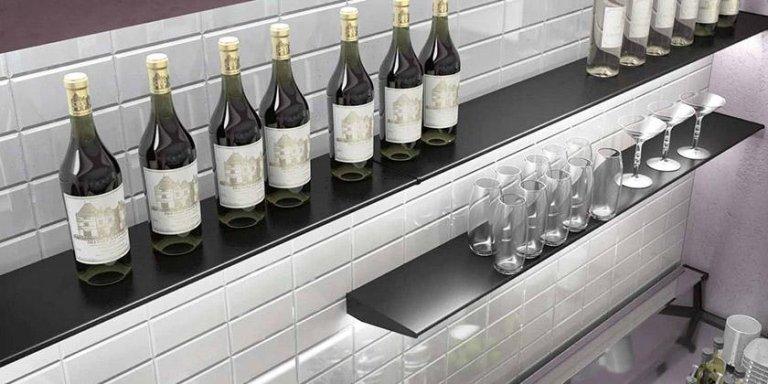 vista di bottiglie di vino