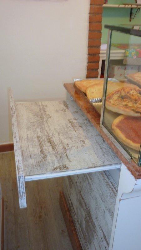 tavol in legno per preparazione cibo
