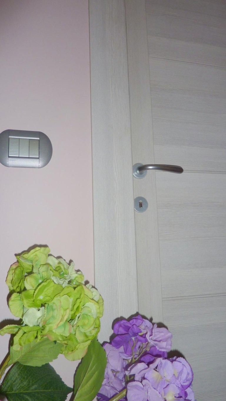 porta camere interne in legno bianco