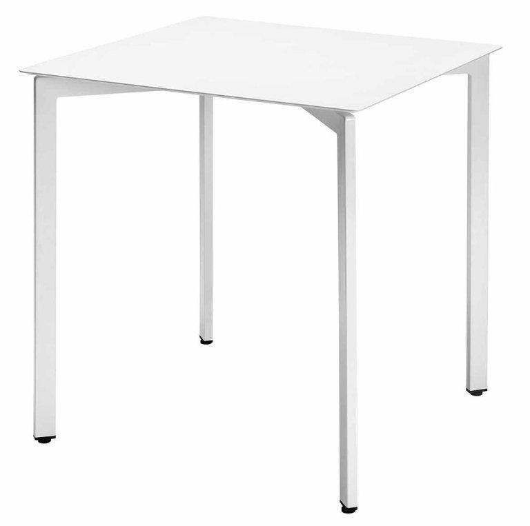 tavolo bianco con quattro piedi