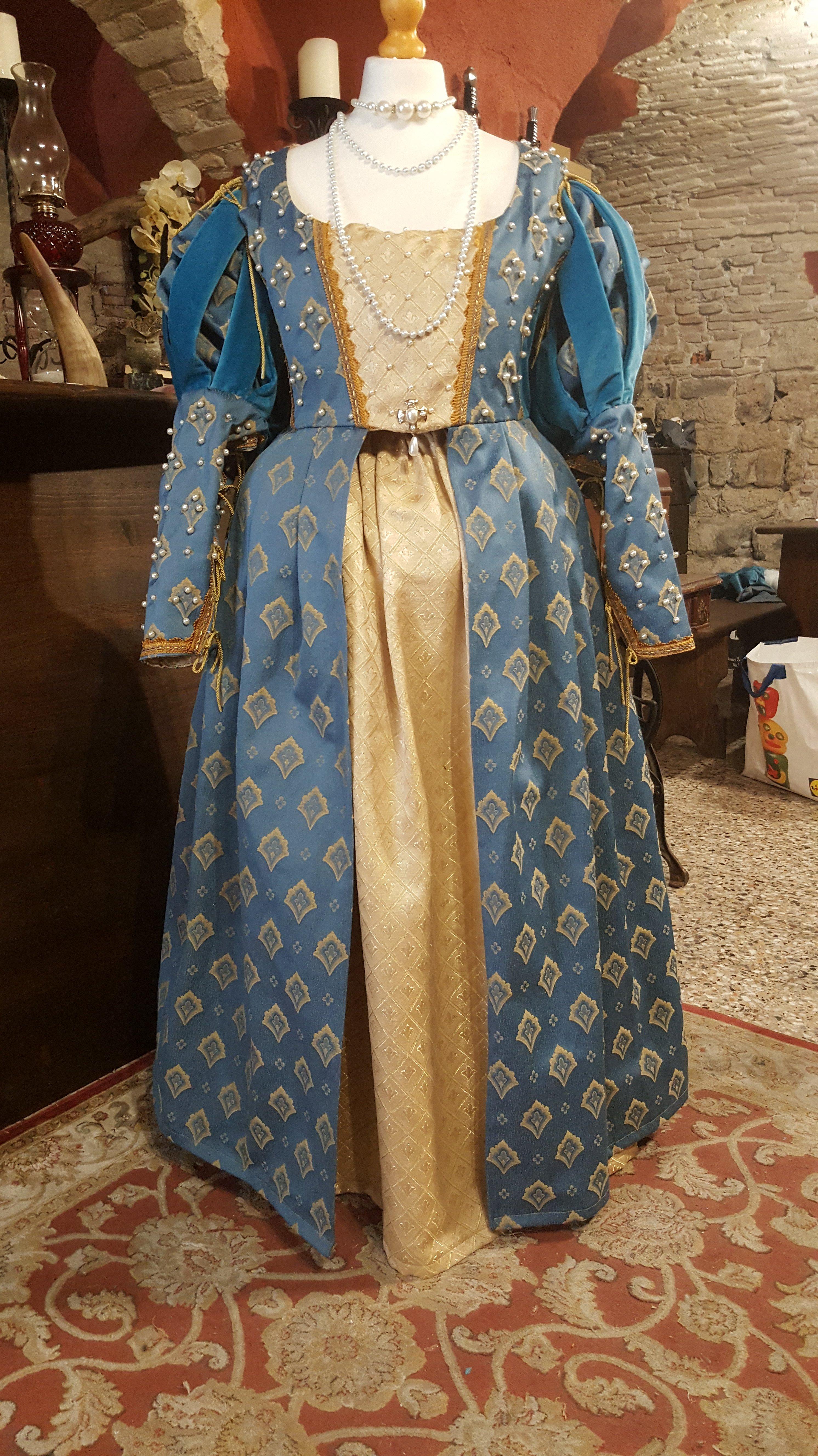 Veste da donna rinascimentale turchese