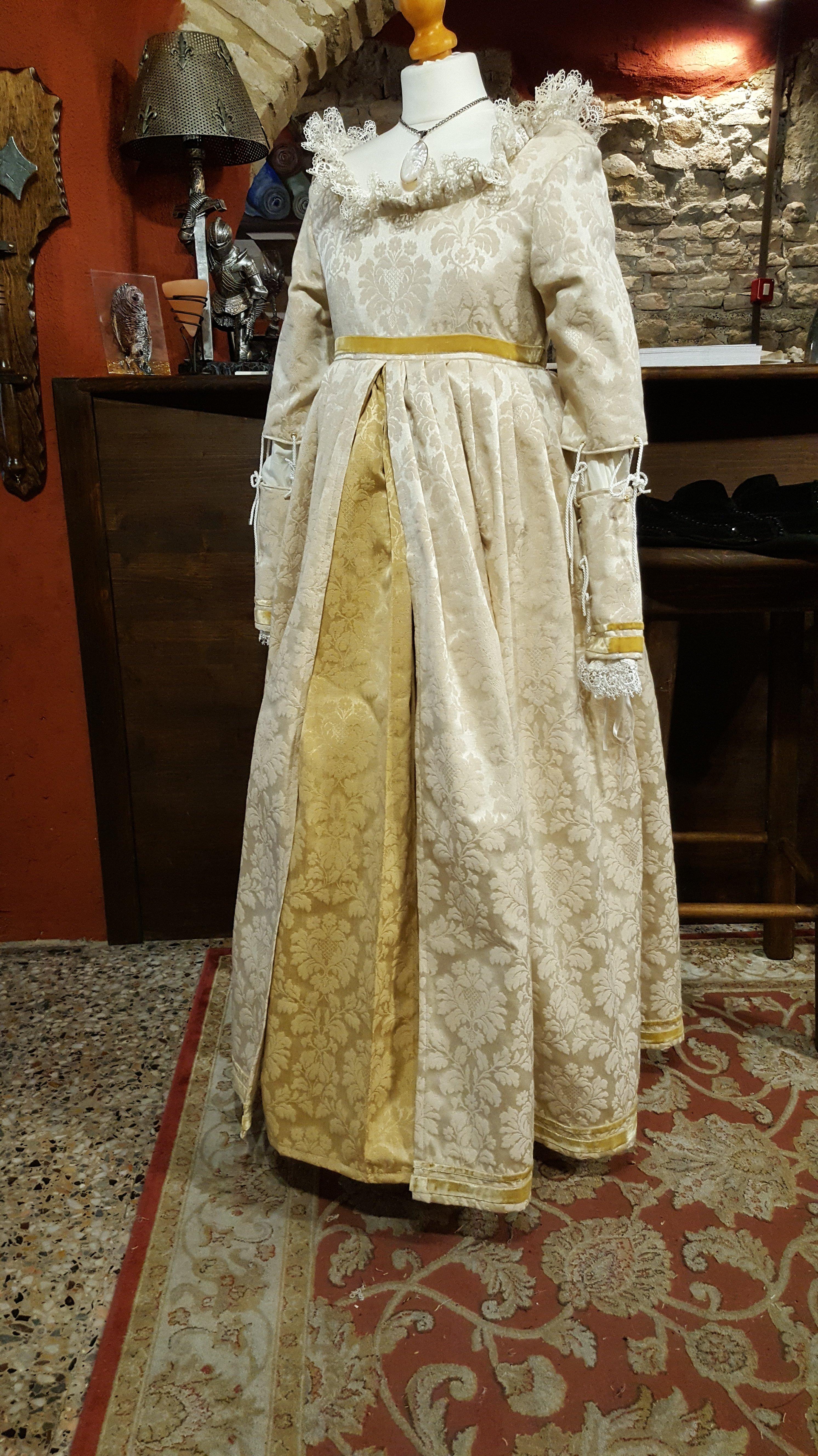 Veste rinascimentale da d onna bianca e gialla