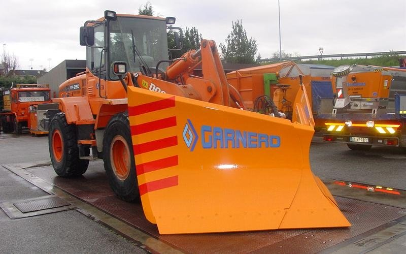 vee blades snow ploughs trade cuneo