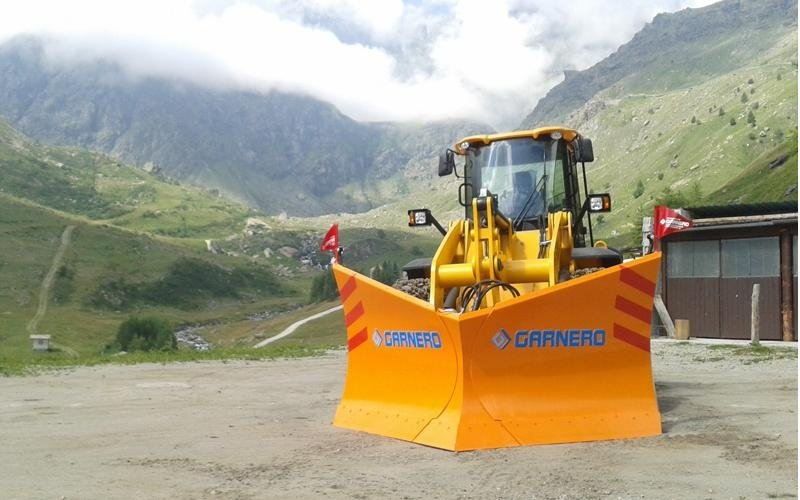 snow ploughing equipment rental cuneo