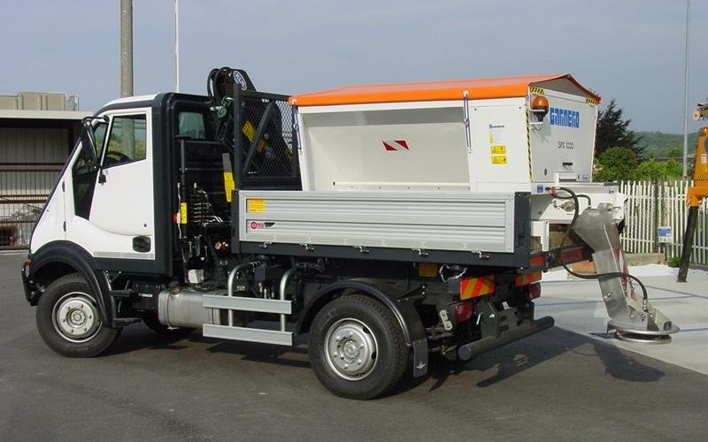 mounted spreaders cuneo