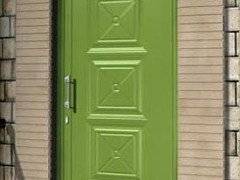 porta ingresso in legno decorata