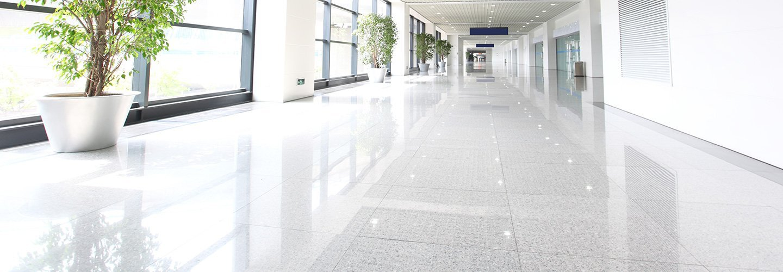 Corridoio di un'edificio commerciale a Trieste