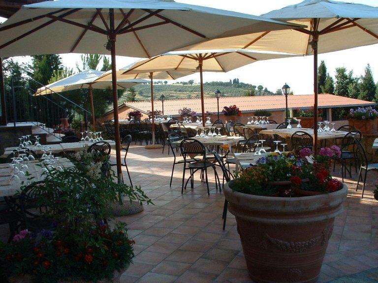 banchetti e cerimonie in terrazza estiva