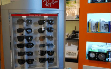 Espositori con occhiali