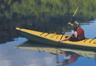 canoa in fiume