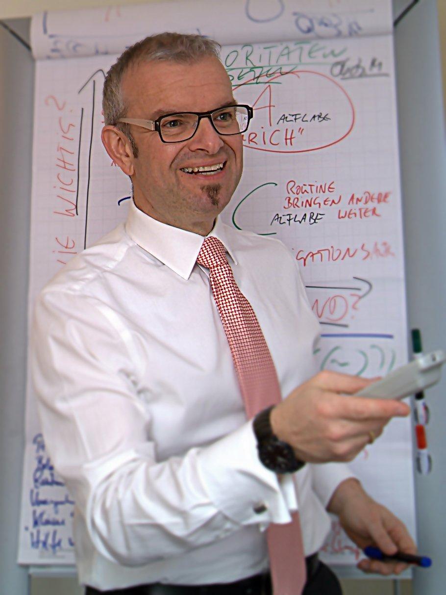 Rechtsanwalt und Fachanwalt für Arbeitsrecht Martin J. Warm