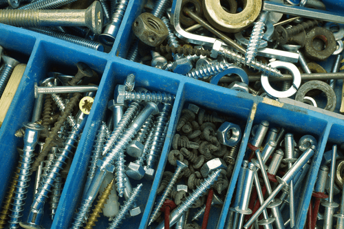 chiodi e utensili per ferramenta
