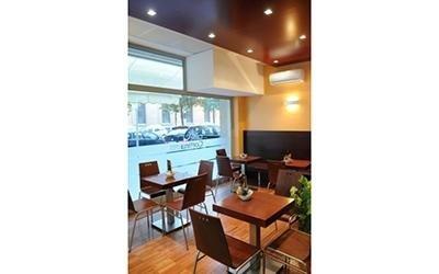tavolini e sedie per bar