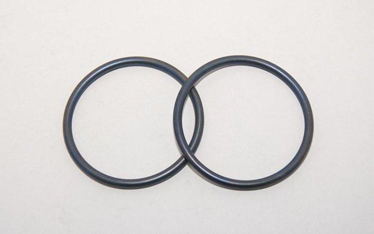 coppia di o-ring grigi