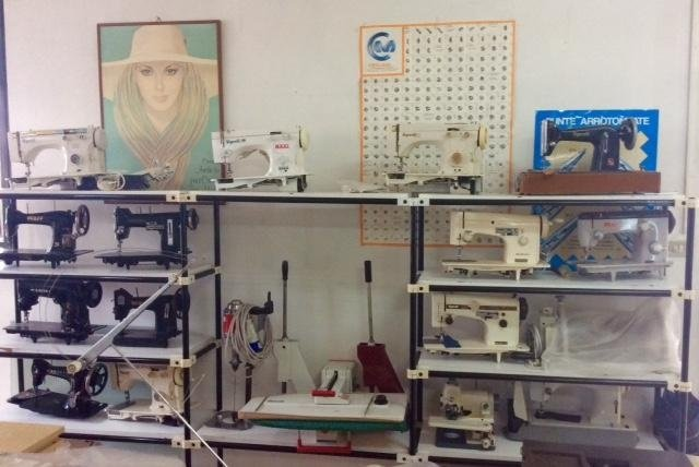 laboratorio macchine da cucire