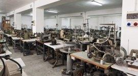 Assistenza tecnica macchine per cucire alberobello cosmo tinelli - Tavoli per macchine da cucire ...