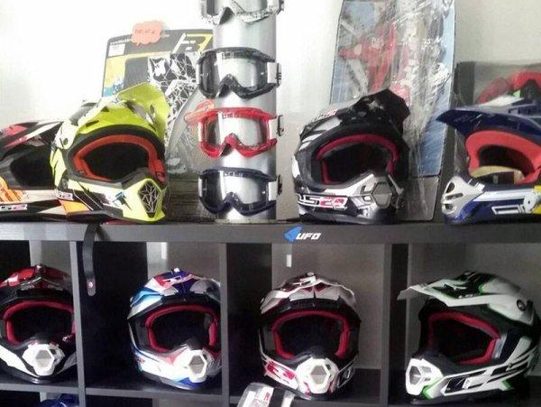 Vendita caschi per moto