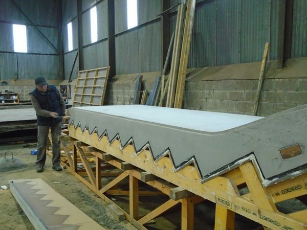 Joiner strippingmould