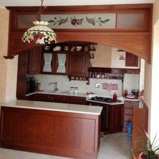 cucina in legno massello su misura