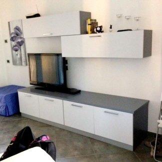 salotto moderno con mobili