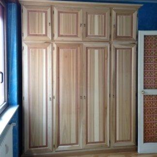 armadio su misura in legno massello