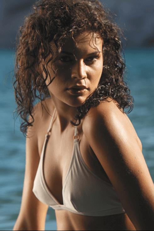 Bikini di colore grigio proposto dall