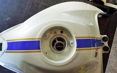 scritte adesive per moto