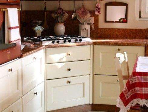 particolare cucina rustica